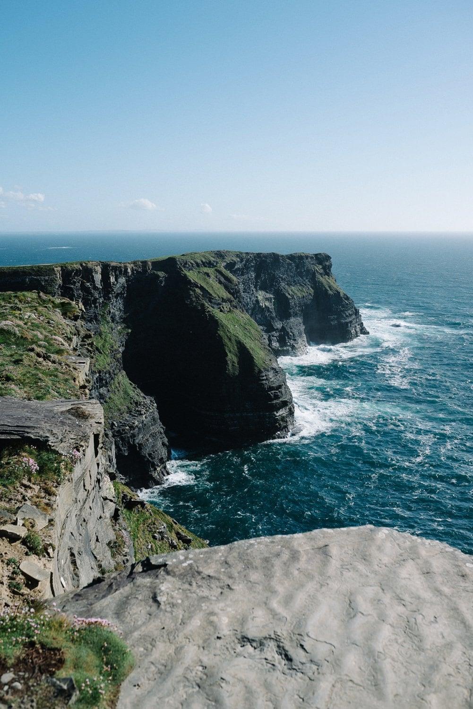 Cliffs Of Moher Elopement_0044.jpg