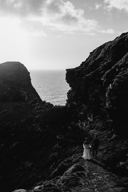 Cliffs Of Moher Elopement_0071.jpg