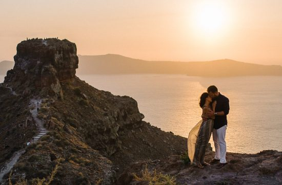 Santorini engagement photographer