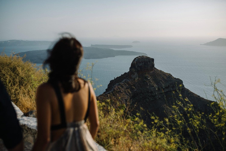 Santorini Engagement Photographer_0004.jpg