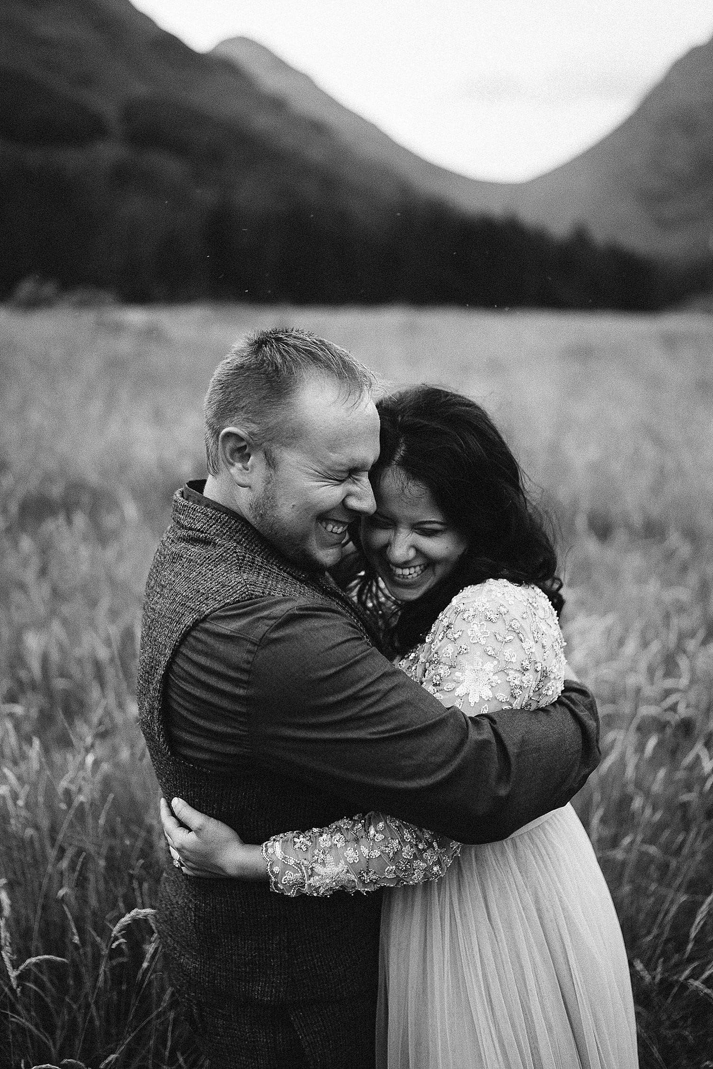 Glencoe elopement photographer. The Highlands make for a stunning location for a Scottish elopement. Scotland elopements. Adventure elopement in the Glencoe Mountains. Elopement Glen Coe
