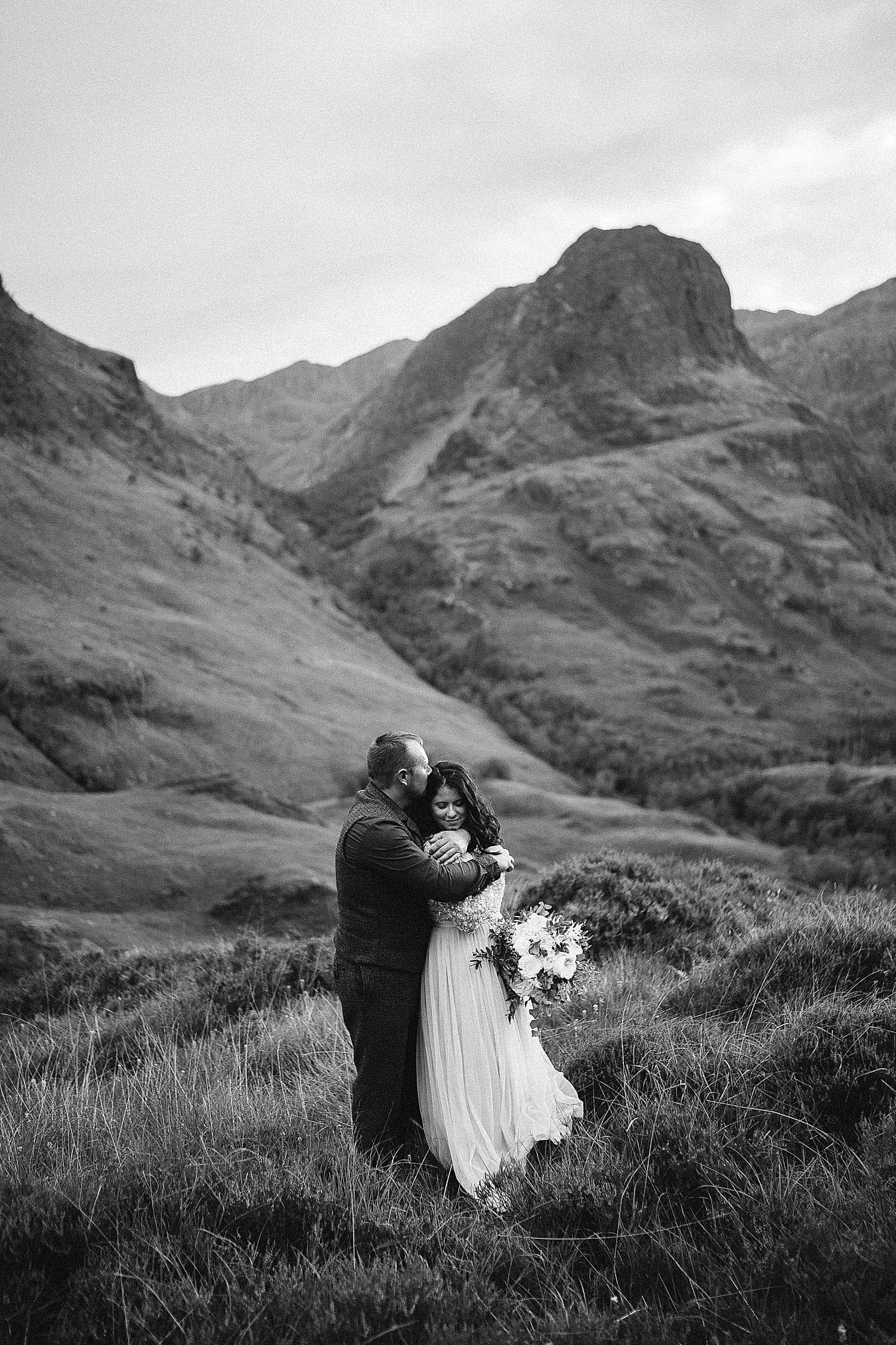 The Highlands make for a stunning location for a Scottish elopement. Scotland elopements. Adventure elopement in the Glencoe Mountains. Elopement Glen Coe
